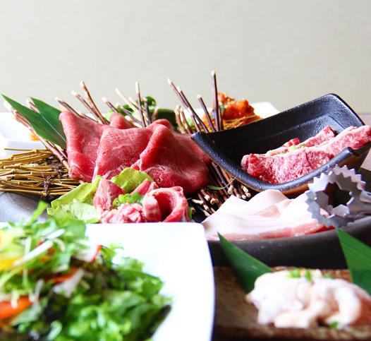 秋田県大仙市の焼き肉食べ放題「ほむら屋」です